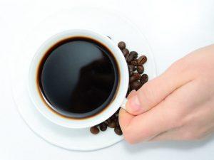Kava stimulira prekomerno potenje