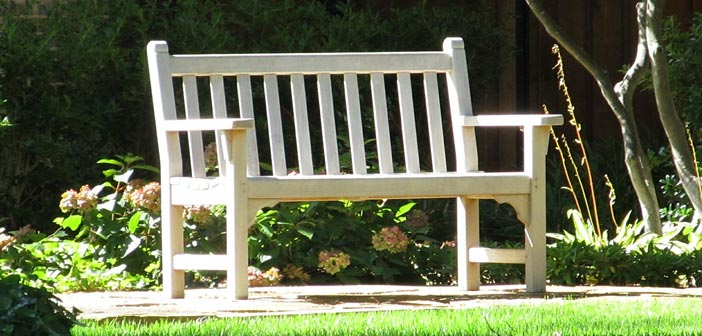 Lesena sedežna garnitura