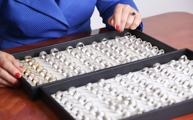 Čiščenje potemnelega srebrnega nakita